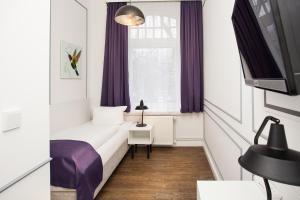 Economy Single Room with Shared Bathroom