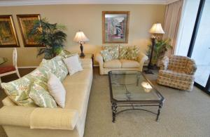 Standard Two-Bedroom Apartment with Waterview