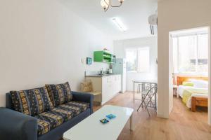 Kfar Saba Center Apartment, Апартаменты  Кфар-Сава - big - 23