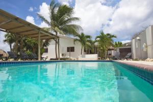 Bantopa Apartments and Villas