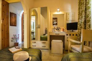 Semiramis Guesthouse, Hotely  Adamas - big - 15