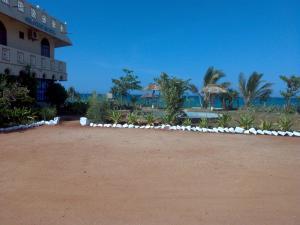 Sea View Beach Hotel, Hotely  Nilaveli - big - 1