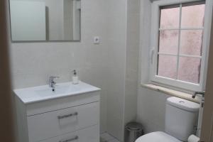 FADO Bairro Alto - SSs Apartments, Апартаменты  Лиссабон - big - 66