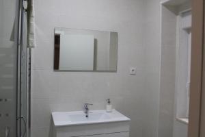 FADO Bairro Alto - SSs Apartments, Апартаменты  Лиссабон - big - 68