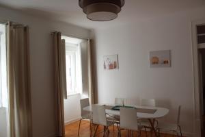 FADO Bairro Alto - SSs Apartments, Апартаменты  Лиссабон - big - 74