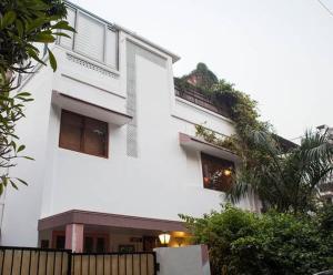 The Whitehouse, Apartmanok  Újdelhi - big - 5