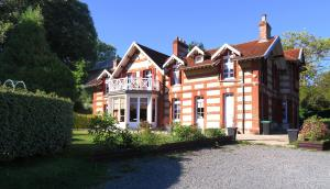 La Villa des Rosiers