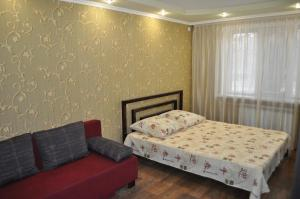 Apartment on Peace Avenue 84, Apartmány  Mariupol' - big - 4