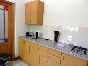 Paris Road Studio Apartments, Appartamenti  Somerset West - big - 10