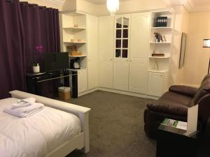 Halebarns Guesthouse Manchester Airport, Pensionen  Hale - big - 43