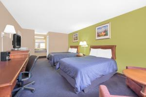 Deluxe Double Suite with Two Double Beds - Non-Smoking