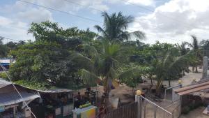 Guanna's Place Room and Resto Bar, Inns  Malapascua Island - big - 97
