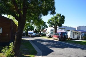 Albury Motor Village and YHA