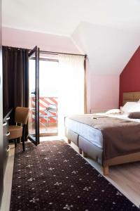 Pridvorul Haiducilor, Hotels  Tîrgu Ocna - big - 36
