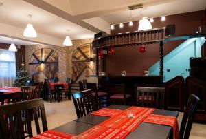 Pridvorul Haiducilor, Hotels  Tîrgu Ocna - big - 49