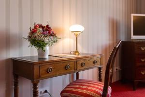 Hotel-Restaurant Vinothek Lamm, Hotel  Bad Herrenalb - big - 4