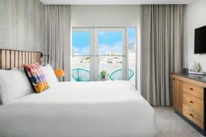 Premier King Terrace Suite