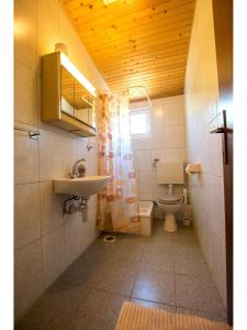 Apartments Velebit, Apartmanok  Stari Grad - big - 7