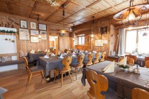 Gasthof zum goldenen Löwen, Penziony – hostince  Nauders - big - 52