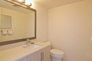 Hearthstone Lodge - Large Two-Bedroom Apartment - 4211 Sunshine Place - Unit 17
