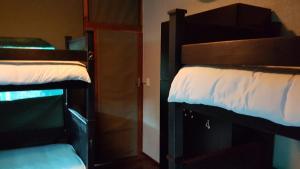 Seng i 6-sengs sovesal for kvinder