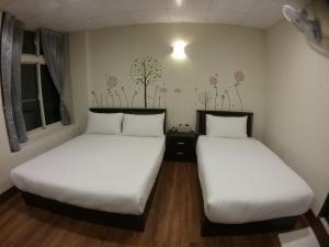 Malaya Guest House, Homestays  Budai - big - 38