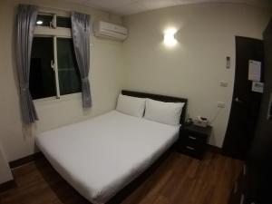 Malaya Guest House, Homestays  Budai - big - 8