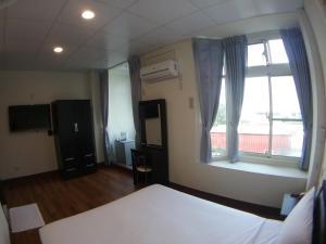 Malaya Guest House, Homestays  Budai - big - 3
