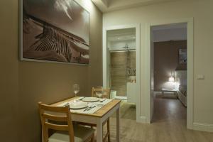 Aruna Suites, Holiday homes  Rome - big - 21