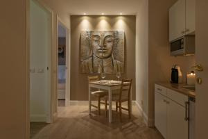 Aruna Suites, Holiday homes  Rome - big - 17