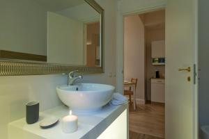 Aruna Suites, Holiday homes  Rome - big - 2