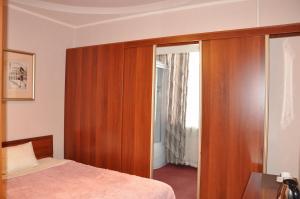 Hotel FIVE STARS, Hotely  Neryungri - big - 20