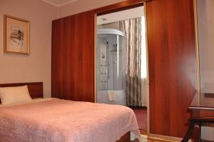 Hotel FIVE STARS, Hotely  Neryungri - big - 55