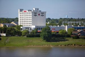 Sheraton Louisville Riverside Hotel, Hotely  Jeffersonville - big - 54