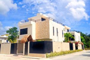 Paradise in Tulum - Villas La Veleta - V1, Дома для отпуска  Тулум - big - 48