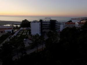 Hotel Miramar Sul, Hotely  Nazaré - big - 72