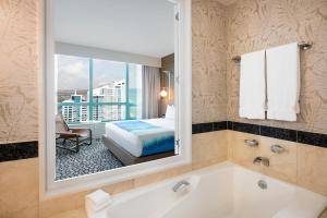 One-Bedroom Diplomat Suite - City View