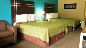 Queen Room with Two Queen Beds - Disability Access/Roll-in Shower
