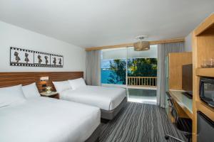 Queen Room with Two Queen Beds - Harbor View