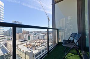 Popular DTLA Designer Suite With Massive Views, Apartmány  Los Angeles - big - 23