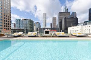 Popular DTLA Designer Suite With Massive Views, Apartmány  Los Angeles - big - 29