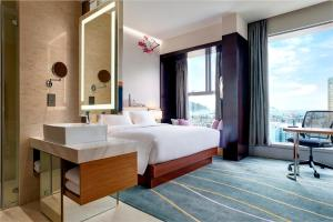 King Junior Suite with Harbour View