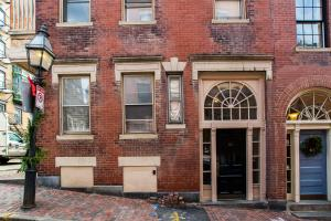 112 Myrtle St #9 by Lyon Apartments, Apartments  Boston - big - 14