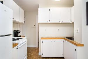 112 Myrtle St #9 by Lyon Apartments, Apartments  Boston - big - 16