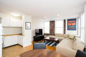 112 Myrtle St #9 by Lyon Apartments, Apartments  Boston - big - 24