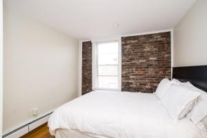 112 Myrtle St #9 by Lyon Apartments, Apartments  Boston - big - 8