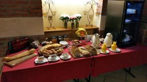 Domaine de La Corbe, Bed and Breakfasts  Bournezeau - big - 5