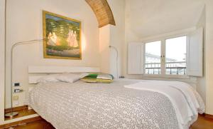 The Dome And One Hundred Windows, Apartmány  Florencie - big - 7