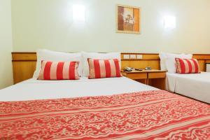 Deluxe Triple Room (1 Double + 1 Single Bed)