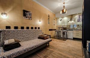 New York Studio Apartment, Ferienwohnungen  Sankt Petersburg - big - 1